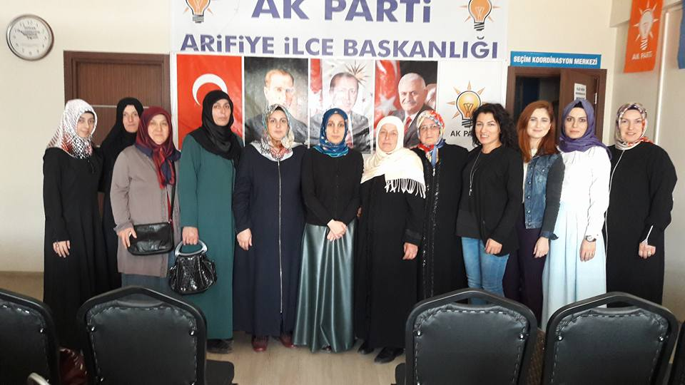 AK PARTİ ARİFİYE İLÇE KADIN KOLLARI TOPLANDI