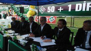 Sakaryaspor'da teknik direktörlük görevine getirilen Tuncay Şanlı imzayı attı.