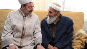 Mehmet Görmez, Kaymakam Muhammet Fatih Safitürk'ün babaevini ziyaret etti.