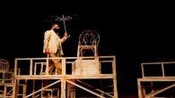 'Bir Delinin Hatıra Defteri' isimli tiyatro gösterimi izleyicilerden tam not aldı.