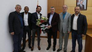 Sakaryaspor Başkanı İsmail Gürses ve Tuncay Şanlı Büyükşehir Başkanının misafiri oldu.