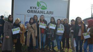 KYK'lı gençler tüm Türkiye'de olduğu gibi Sakarya'da da eşzamanlı olarak fidan dikti.