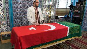 Osmanlı Hanedan Reisi Osmanoğlu New York'ta  toprağa verildi