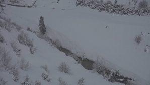 Akçay'da kar kalınlığı 2 metreyi aştı