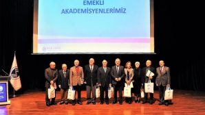 Emekli Akademisyenler Unutulmadı