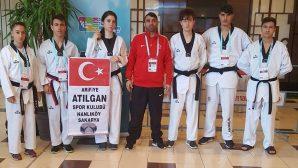Arifiye Atılganspor Antalya'da Taekwondo Turnuvasında Madalya Ararken!..