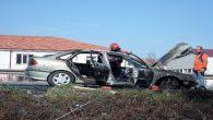 Arifiye'de TEM otoyolu üzerinde otomobil alevlere teslim oldu