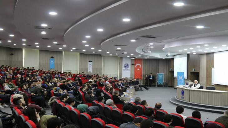 SAÜ'de Şevki Yılmaz '1960'dan 15 Temmuz'a Türkiye'de Darbeler'i anlattı