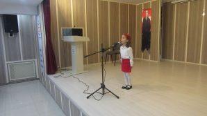 İstiklal Marşını okuma yarışmasında 'Eylül Nas Günsel ' Arifiye birincisi oldu.