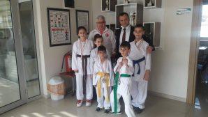 Arifiyeli Karatecilerden Halk Eğitim Merkezi Müdürüne teşekkür ziyareti