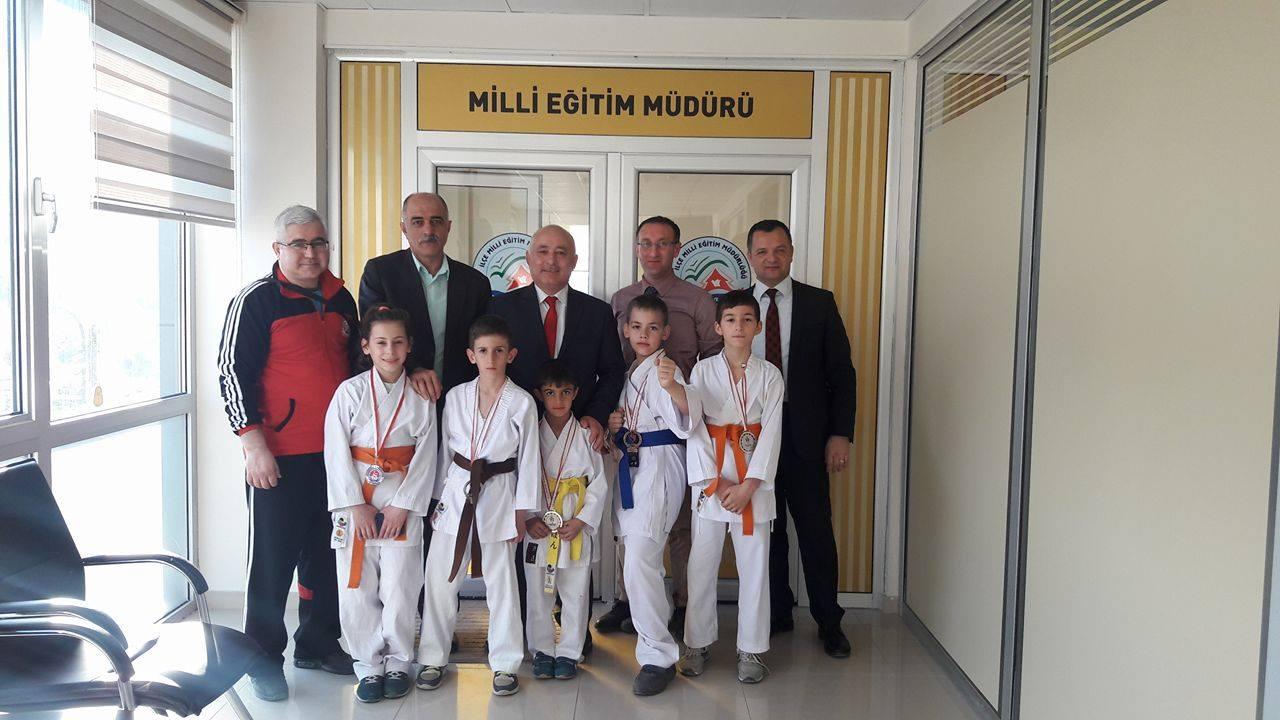 Arifiye'nin Karatecileri İlçe Milli Eğitim Müdürlüğünde