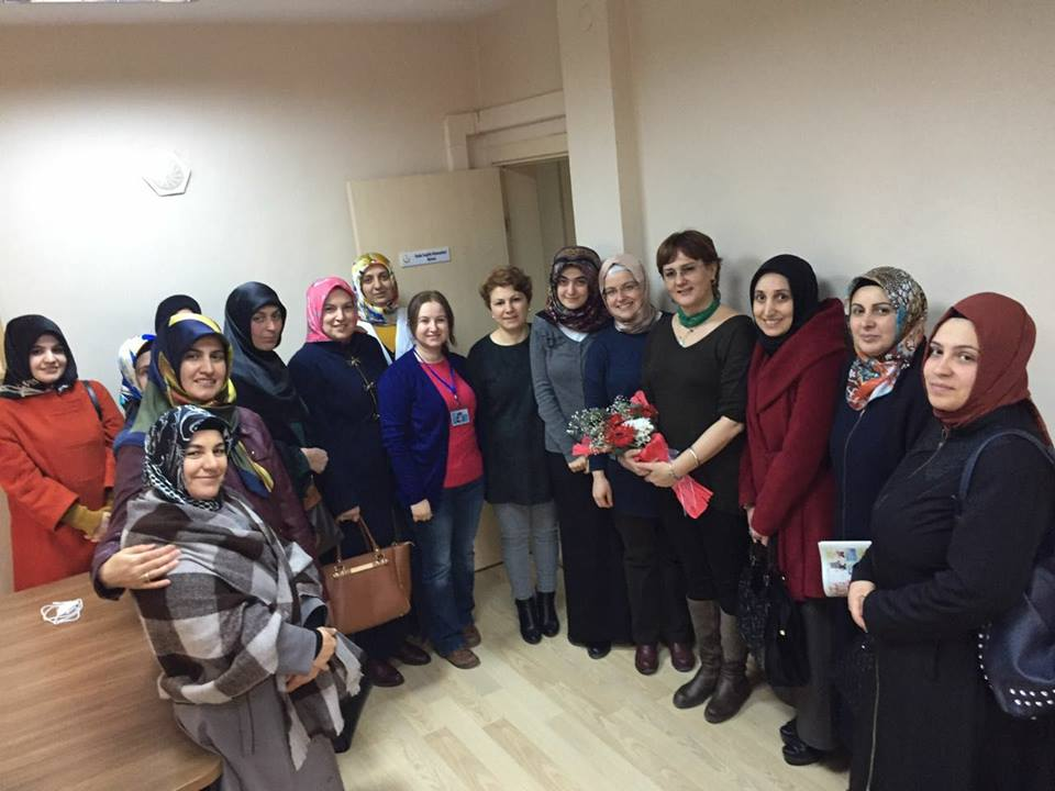 Arifiye'de Ak Kadınlar Tıp Bayramını Kutladı