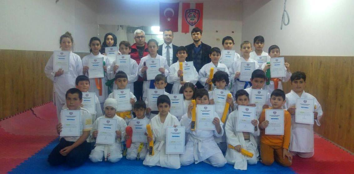 Arifiyeli Karateciler terfi etti.