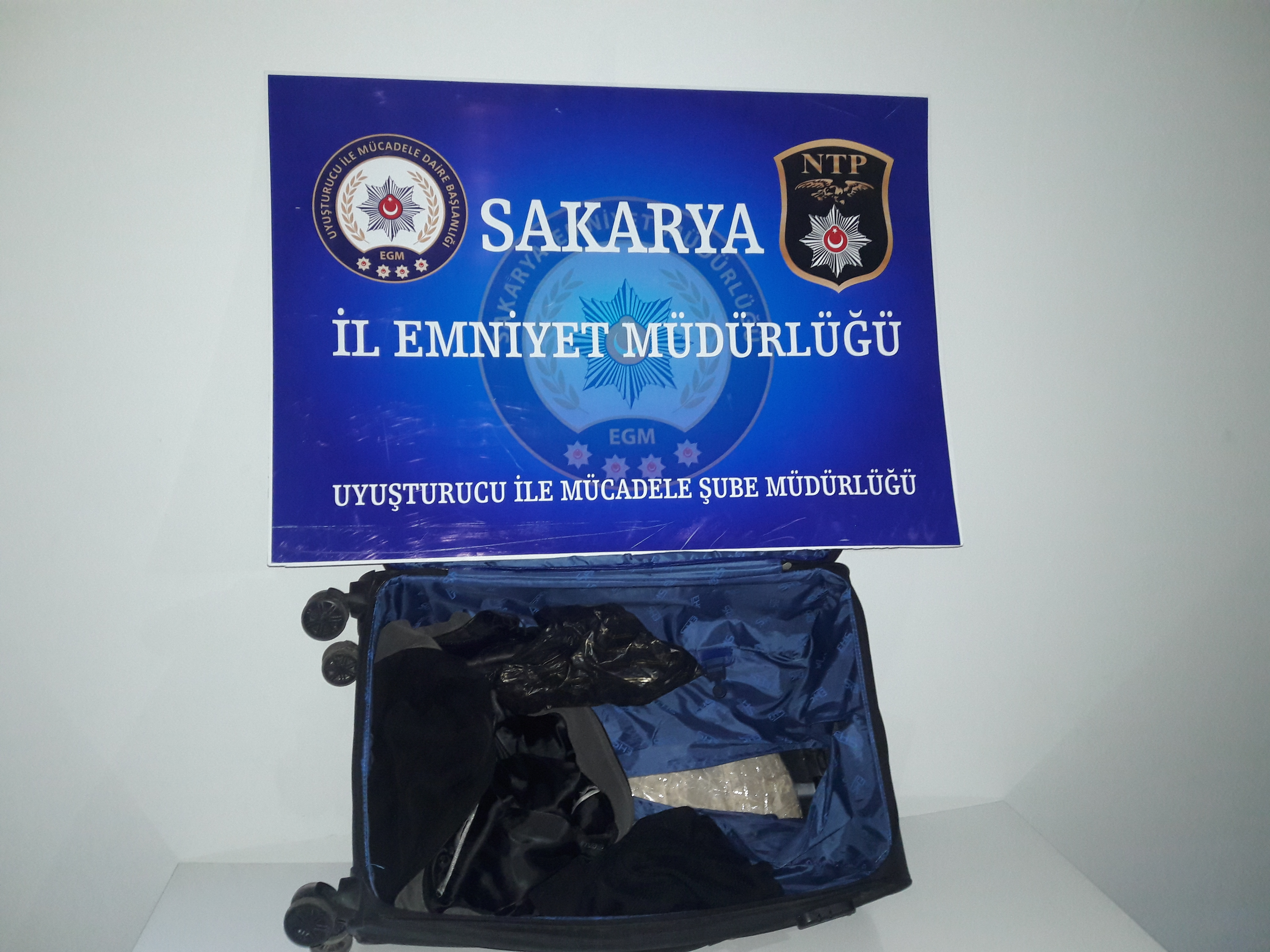 Valizde 3 kilo 540 gram eroin  maddesi ele geçirildi