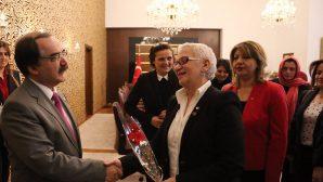 """Türk Kadınlar Birliğinden Vali Coş'a """"Dünya Kadınlar Günü"""" Ziyareti"""