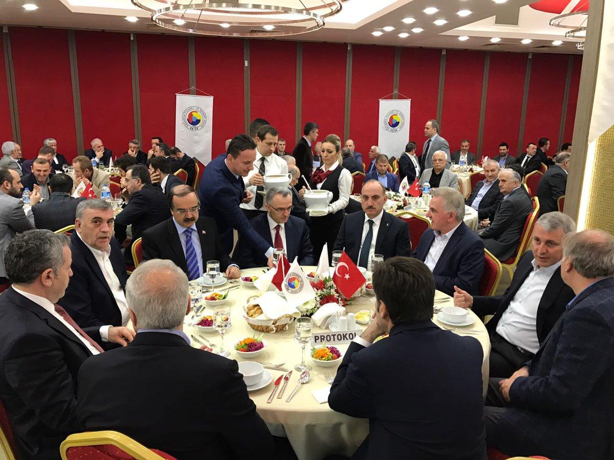 Bakan Naci Ağbal SATSO üyeleri ile toplantıya katıldı