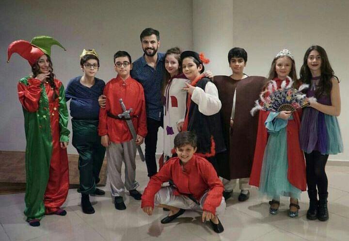 """Küçük Tiyatroculardan İlk Gösteri""""Tıngır Mıngır Ülke"""""""