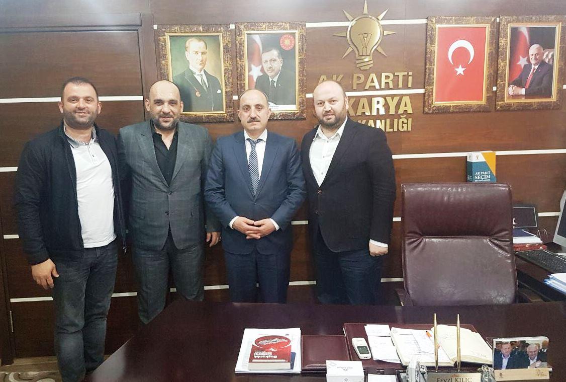 Başkan Kılıç, Çobanbey Türkmeni Riad İssa'ya teşekkür plaketi verdi