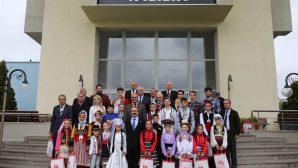 Dünya Çocuklarından Vali Coş'a Egemenlik Haftası Ziyareti