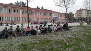 Arifiye Neviye İlkokulu'nda muhteşem kitap okuma etkinliği