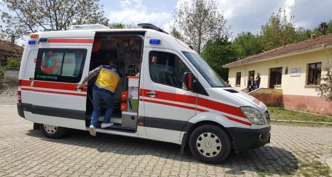 Evde sağlık ekipleri yatan hastalar için oy kullanmada seferber oldu