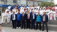 Arifiye Halk Eğitim Spor kurslarından  kent meydanında gösteri