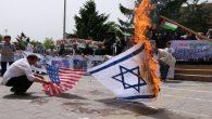 ABD ve İsrail bayraklarını yaktılar
