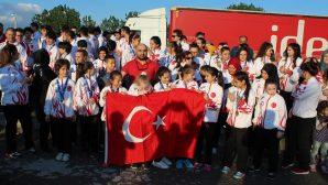 Avrupa şampiyonları Sakarya'da karşılandı