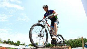 Uluslararası Dağ Bisikleti Şampiyonası nefesleri kesti