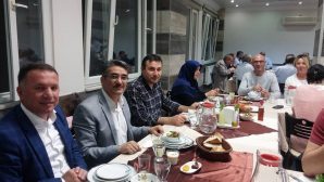 Arifiye Üzeyir Garih Geleneksel iftar yemeğinde bir araya geldi