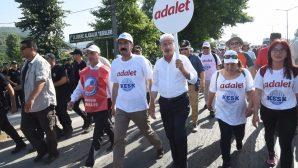 CHP Genel Başkanı Kemal Kılıçdaroğlu Sakarya'da yürüyor