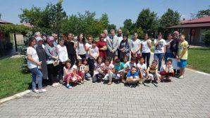 Adem YAZICI Arifiye Çocuk Evleri Sitesindeki Çocuklar ile Bayramlaştı