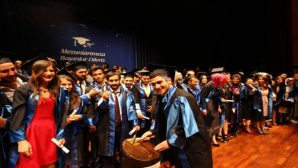Sakarya Üniversitesinde Mezuniyet Heyecanı