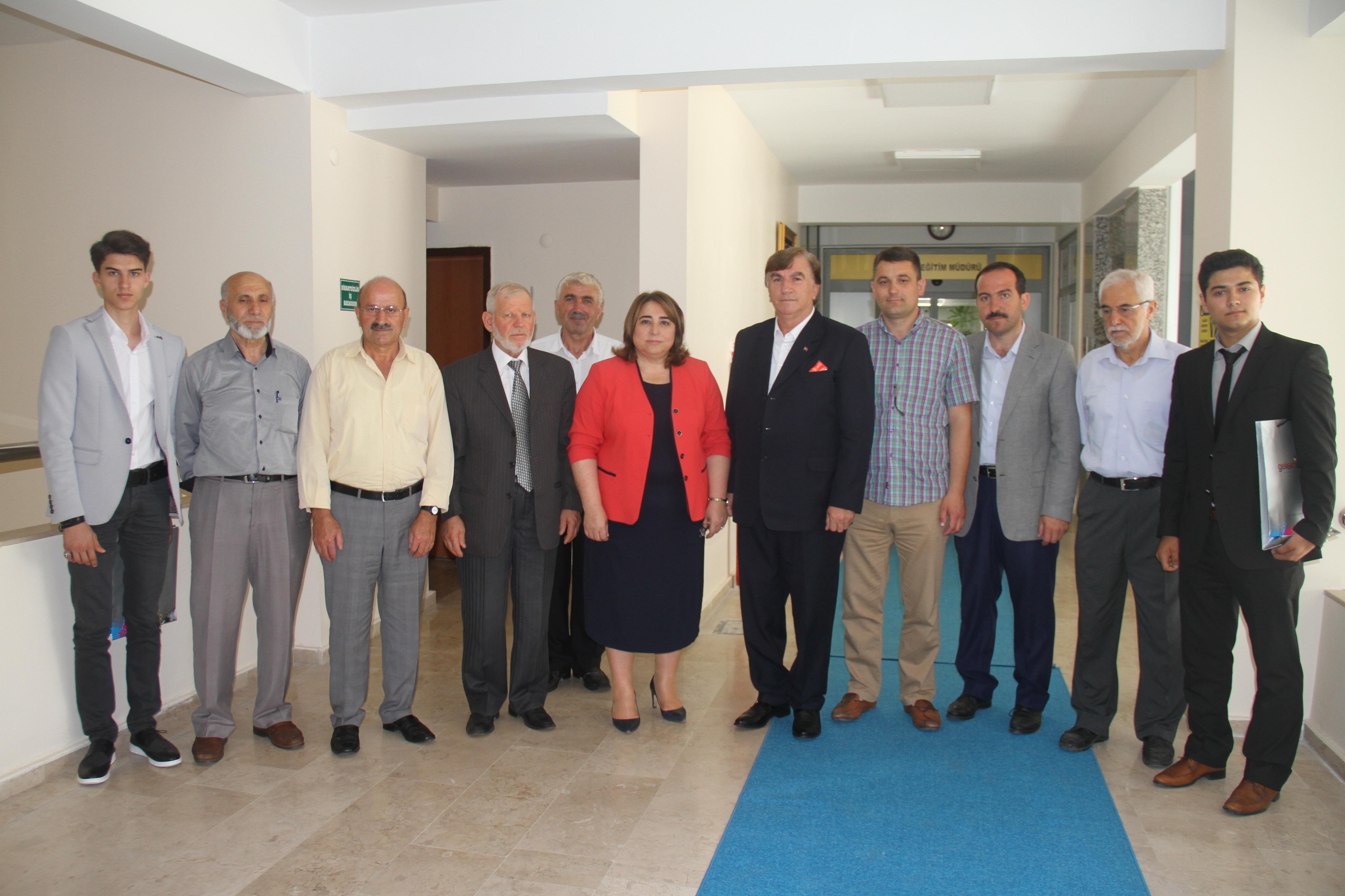 Cami ve Kur'an Kursları Dernekleri Federasyonundan İl Milli Eğitim'e Anlamlı Ziyaret