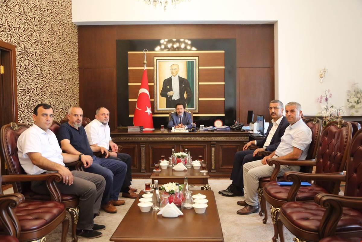 Hitit Üniversitesi Rektörü ve Fiskobirlik'ten Vali Balkanlıoğlu'na Ziyaret