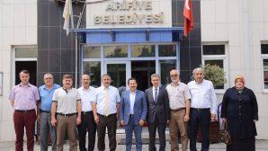 Vali Balkanlıoğlu Arifiye Belediyesinide ziyaret etti