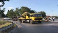 Arifiye TEM bağlantı yolunda demir yüklü kamyon devrildi