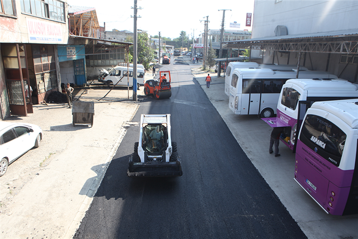 Modern Sanayi'de asfalt tamam