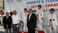 Arifiye Halk Eğitim Merkezi Karate de Şaha kalktı