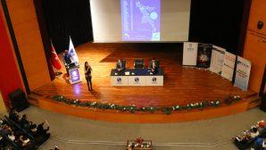 """SAÜ'de """"Girişimcilik Zirvesi"""" adlı etkinlik düzenlendi."""