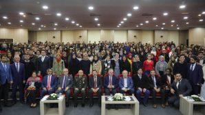 Vali Balkanlıoğlu SAÜ'de Gençlerle Buluştu