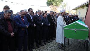 Bakan Özlü,Hasan Ali Çelik'in ağabeyinin cenaze törenine katıldı.