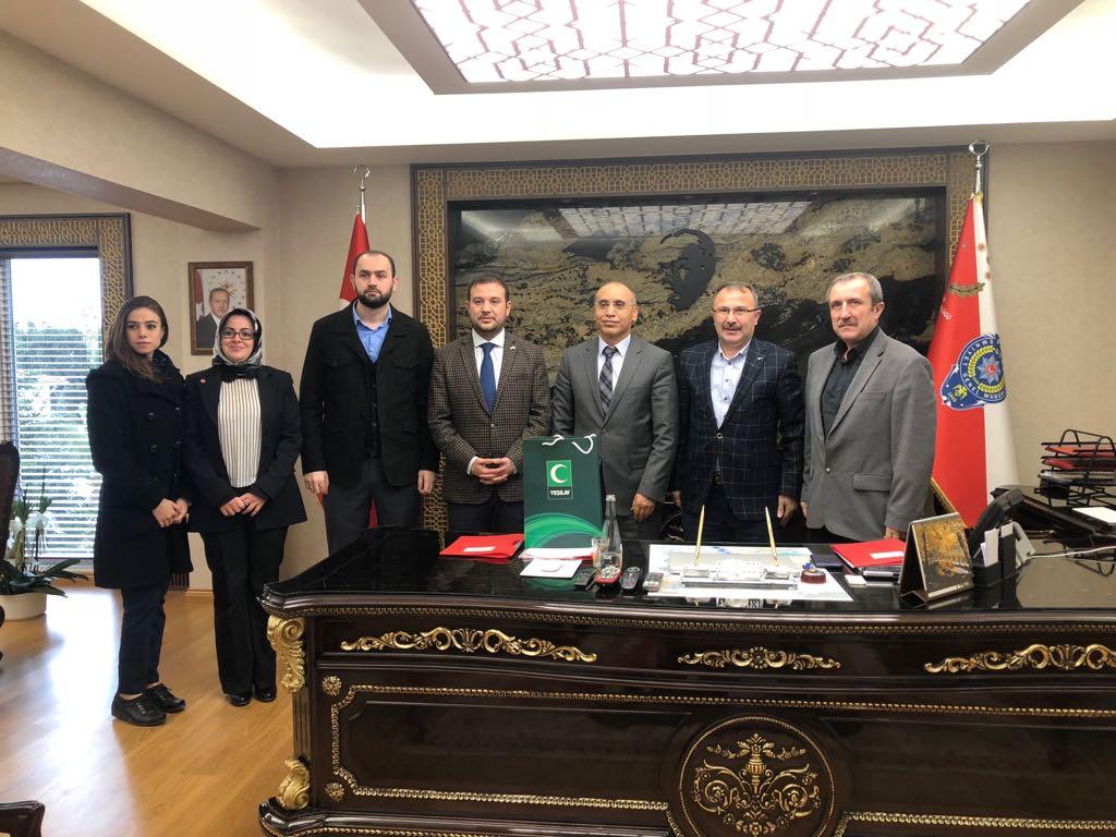 Yeşilay Sakarya Şubesi, İl Emniyet Müdürü Fatih Kaya'yı Ziyaret Etti.