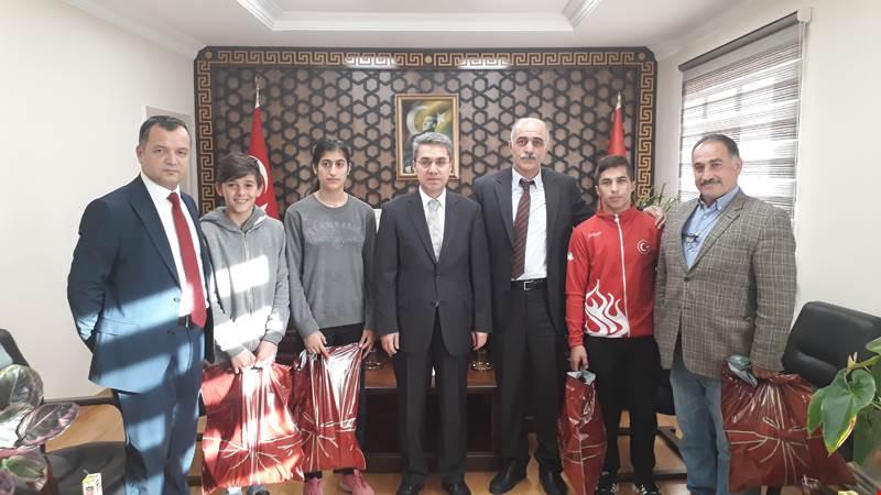 Arifiye HEM'in Başarılı Sporcuları Ödüllendirildi