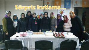 Arifiye Ak Kadınlarda Sürpriz kutlama
