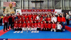 Bayraktar Karadağ'dan şampiyon takımla döndü