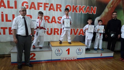Arifiye'li Karatecilerden Madalya