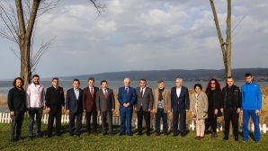Vali Balkanlıoğlu Arifiye'de Sabah Kahvaltısı yaptı