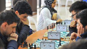 SAÜ'de Satranç Turnuvası düzenlendi