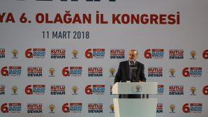 Cumhurbaşkanı Erdoğan Sakaryalılarla kucaklaştı